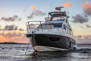 54' Azimut Flybridge 2014 At Anchor