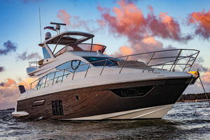 54' Azimut Flybridge 2014 Stbd Bow