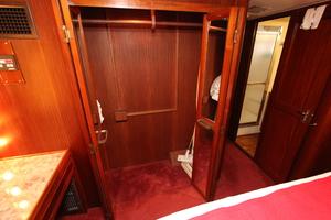 53' Hatteras Extended Deckhouse 1983
