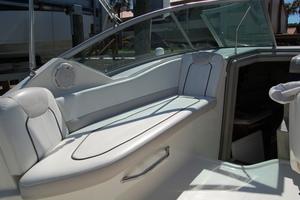 24' Sea Ray 240 DA 2011