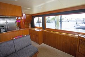 54' Offshore Yachts Pilothouse 2001 Salon Starboard
