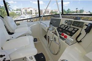 54' Offshore Yachts Pilothouse 2001 Flybridge Helm