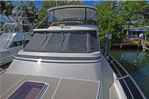 54' Offshore Yachts Pilothouse 2001 Foredeck