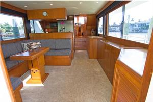 54' Offshore Yachts Pilothouse 2001 Salon Forward