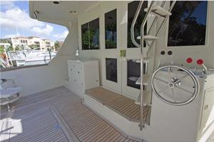 54' Offshore Yachts Pilothouse 2001 AftDeck