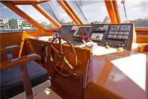 54' Offshore Yachts Pilothouse 2001 PilothouseHelm