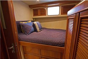 54' Offshore Yachts Pilothouse 2001 GuestStateroomPort