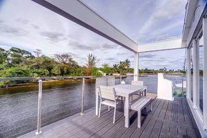 46' Global Boatworks Luxury House Yacht 2017 Balcony