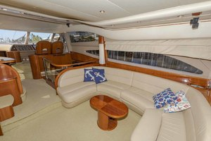 61' Viking Sport Cruiser 2003 Salon to Starboard