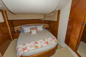 61' Viking Sport Cruiser 2003 Master
