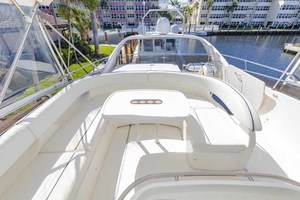61' Viking Sport Cruiser 2003 Flybridge