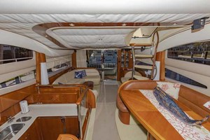 61' Viking Sport Cruiser 2003 Salon Looking Aft