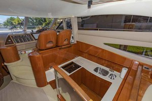 61' Viking Sport Cruiser 2003 Galley