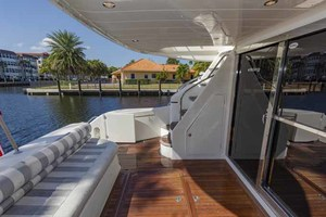 61' Viking Sport Cruiser 2003 Aft Deck
