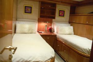 82' Hargrave Flybridge Motor Yacht 2001 Starboard Side Twin Cabin