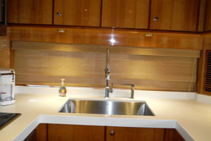82' Hargrave Flybridge Motor Yacht 2001 Galley Sink