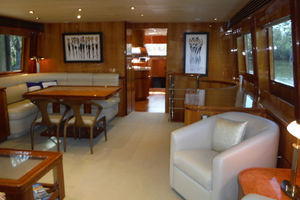 82' Hargrave Flybridge Motor Yacht 2001 Salon Looking Forward to Starboard