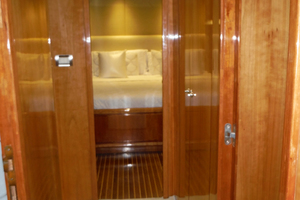 82' Hargrave Flybridge Motor Yacht 2001 Accommodation Companionway Looking Aft