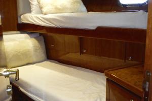 82' Hargrave Flybridge Motor Yacht 2001 Starboard Bunk Room
