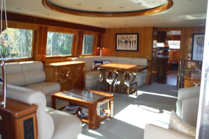 82' Hargrave Flybridge Motor Yacht 2001 Salon Looking Forward to Port