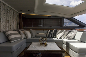 62' Princess V62-S 2015 Port upper salon