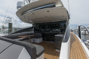 62' Princess V62-s 2015 Cockpitview2