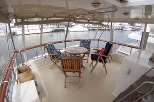 44' Island Gypsy Aft Cabin Motoryacht 1997 Sundeck Lounging Area