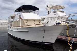 44' Island Gypsy Aft Cabin Motoryacht 1997 Starboard Bow Profile
