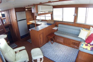44' Island Gypsy Aft Cabin Motoryacht 1997 Saloon and Galley to Port