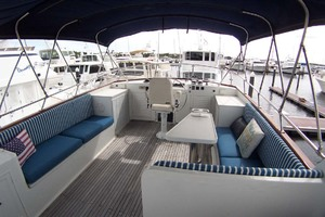 44' Island Gypsy Aft Cabin Motoryacht 1997 Flybridge Seating
