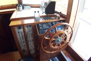 Island-Gypsy-Aft-Cabin-Motoryacht-1997-PAINT-BY-NUMBER-Stuart-Florida-United-States-Lower-Helm-1081703