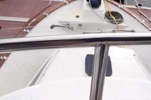 44' Island Gypsy Aft Cabin Motoryacht 1997 View Forward from Flybridge Helm