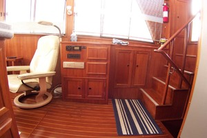 44' Island Gypsy Aft Cabin Motoryacht 1997 Galley to Starboard Saloon
