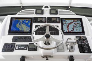 60' Hatteras 60 Motor Yacht 2013 Helm station
