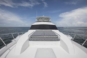 60' Hatteras 60 Motor Yacht 2013 Bow