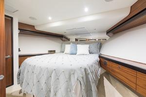 60' Hatteras 60 Motor Yacht 2013 VIP stateroom