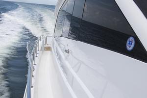 60' Hatteras 60 Motor Yacht 2013 STBD side deck