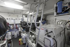 60' Hatteras 60 Motor Yacht 2013 Engine room