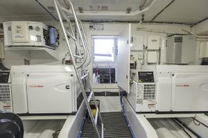 60' Hatteras 60 Motor Yacht 2013 Engine room view 2