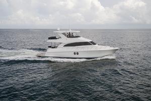60' Hatteras 60 Motor Yacht 2013 STBD profile