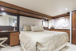 60' Hatteras 60 Motor Yacht 2013 Master stateroom