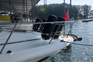 38' Sea Ray 380 Sundancer 2003 Bow fender racks