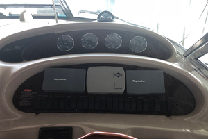 38' Sea Ray 380 Sundancer 2003 Helm dashboard