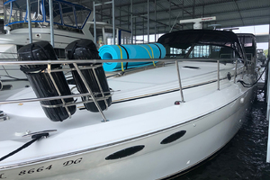 38' Sea Ray 380 Sundancer 2003 Port bow profile