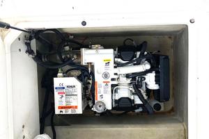 35' Cobalt R35/336 2014 Kohler generator