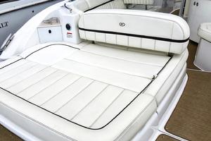 35' Cobalt R35/336 2014 Aft/transom seating area