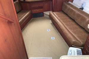 36' Luhrs 36 Open 2005 Carpet Runner