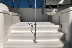 36' Luhrs 36 Open 2005 Bridge Deck Stairs