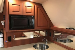 36' Luhrs 36 Open 2005 Galley Microwave
