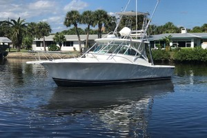 36' Luhrs 36 Open 2005 Port Bow